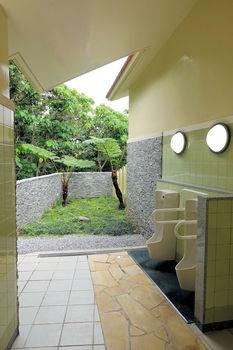 今帰仁城トイレs.JPG