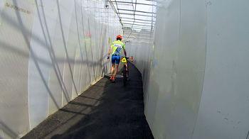 新戸隧道狭い.jpg