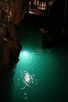 龍泉洞.jpg